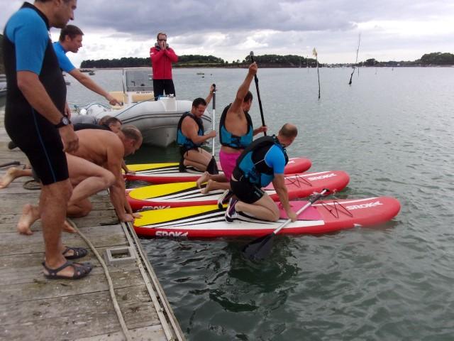 relais sportif paddle board Sroka pendant un rallye nautique nautic , team buildind , insentive